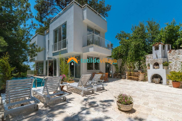 Villa Mozaik